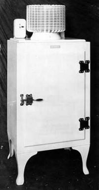 G.E. Monitor Top Refrigerator